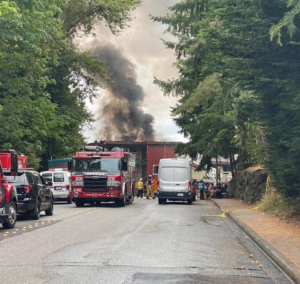 UPDATE: 3 killed in 3-alarm apartment fire in Tukwila Tuesday morning 3