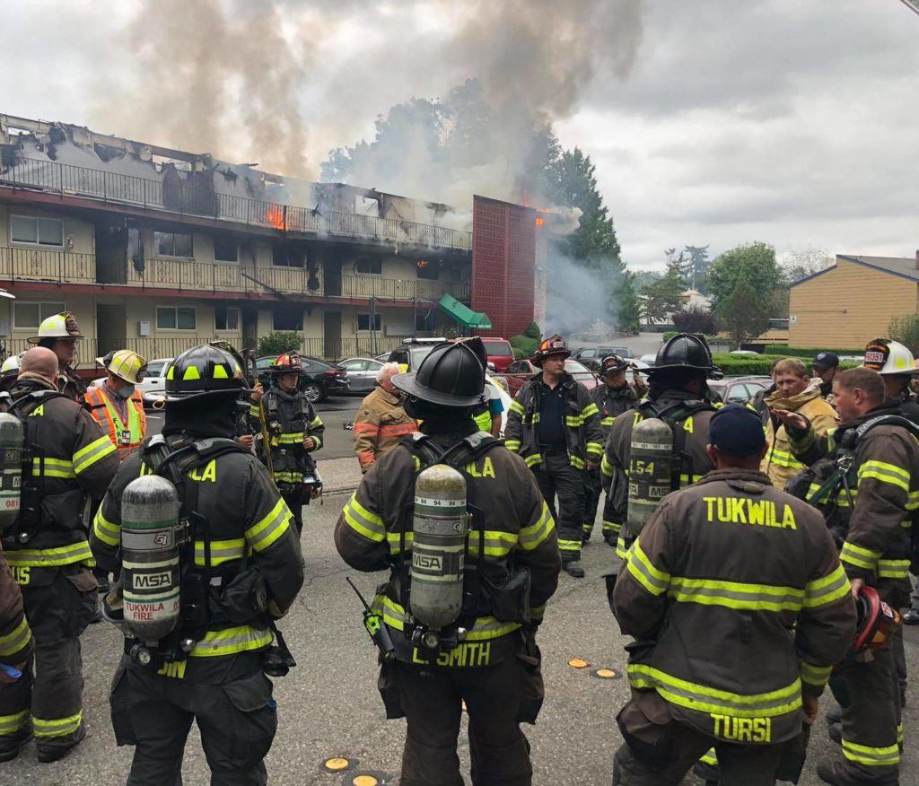 UPDATE: 3 killed in 3-alarm apartment fire in Tukwila Tuesday morning 1