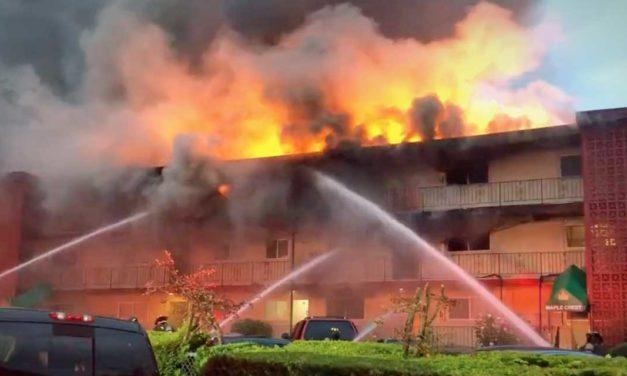UPDATE: 3 killed in 3-alarm apartment fire in Tukwila Tuesday morning
